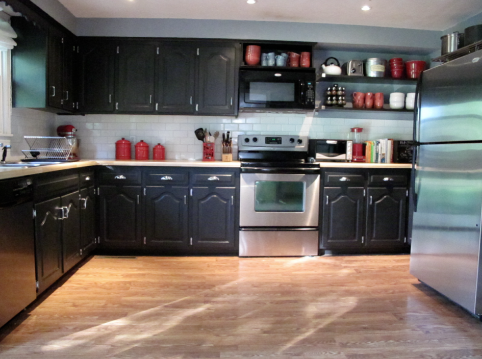 Black painted kitchen cabinets home furniture design for Painting wood kitchen cabinets white