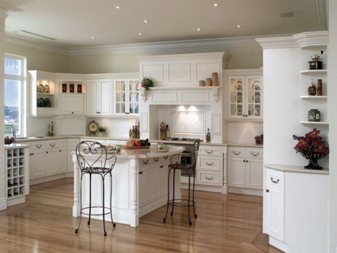 Best kitchen paint colors with white cabinets home for Pics of white kitchens
