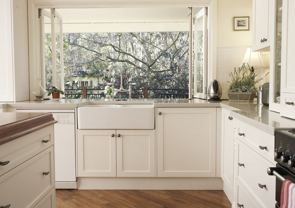 Kitchen remodel white cabinets home furniture design for Kitchen designs with white cupboards