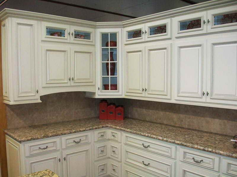 White glazed kitchen cabinets home furniture design for What to look for when buying kitchen cabinets