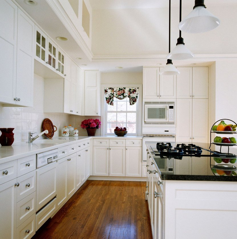 Pictures Of White Kitchens: White Kitchen Cabinets Lowes
