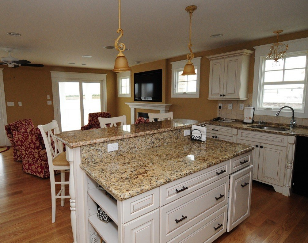 White Granite Countertops : White kitchen cabinets with granite countertops photos