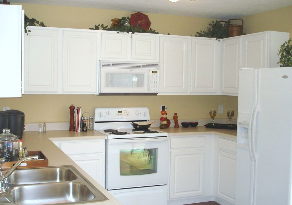 White Painted Kitchen Cabinets Home Furniture Design