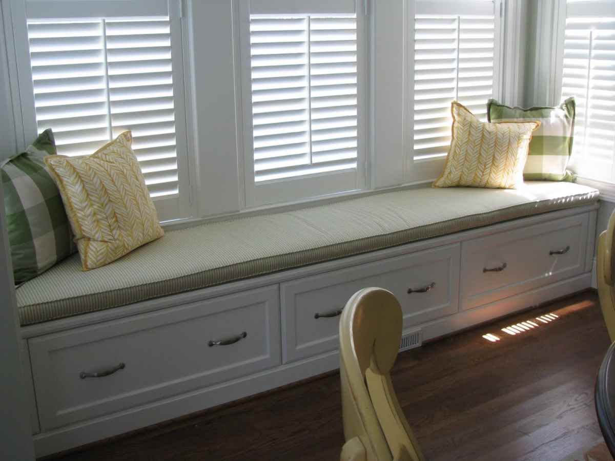 window seat cushions a cozy addition home furniture design the 25 best ideas about bay window seats on pinterest