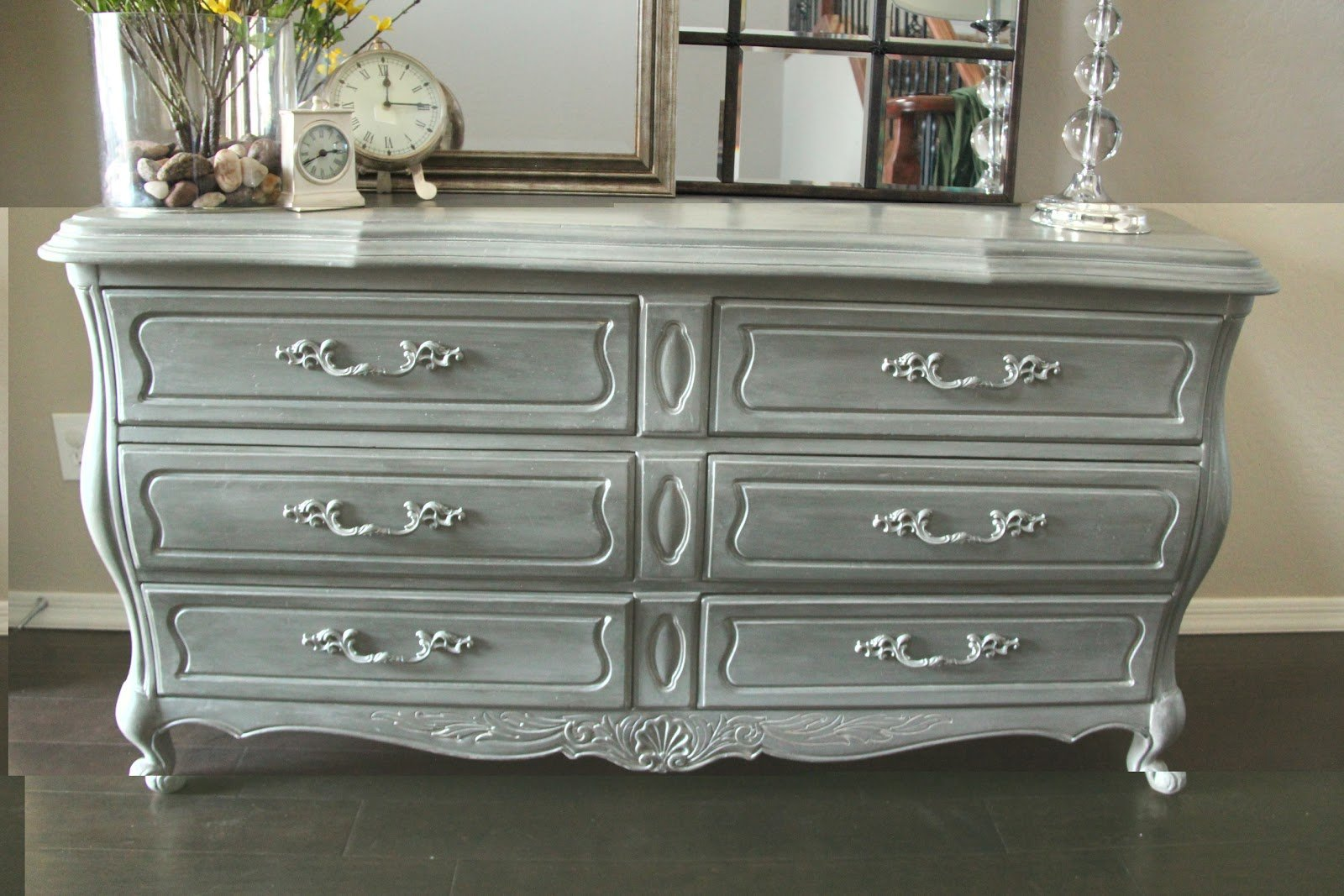 Antique bedroom dresser home furniture design for Bedroom dresser decor