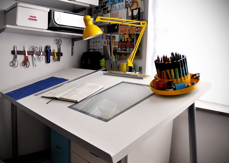 Art desk ikea home furniture design for Ikea drawing desk
