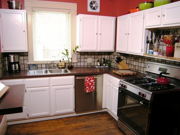 Best paint to use on kitchen cabinets home furniture design for Best way to paint kitchen cabinets video