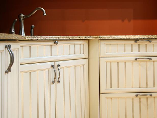 Kitchen cabinet knobs and pulls sets home furniture design for Kitchen cabinet sets