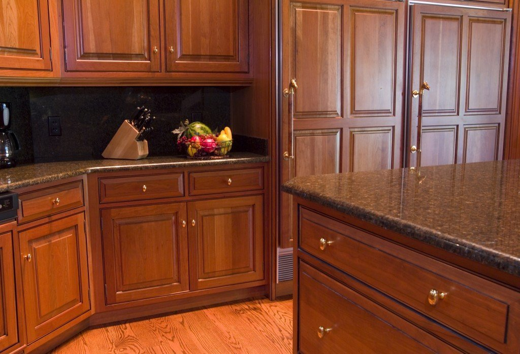 Kitchen cabinet pulls your hand extensions home for Kitchen cabinets knobs