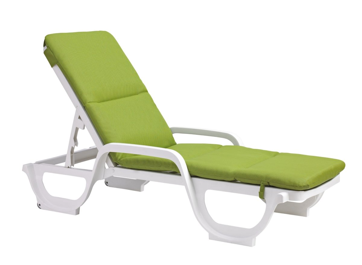 Chaise lounge cushions creates outdoor comfortability for Chaise longue cushions