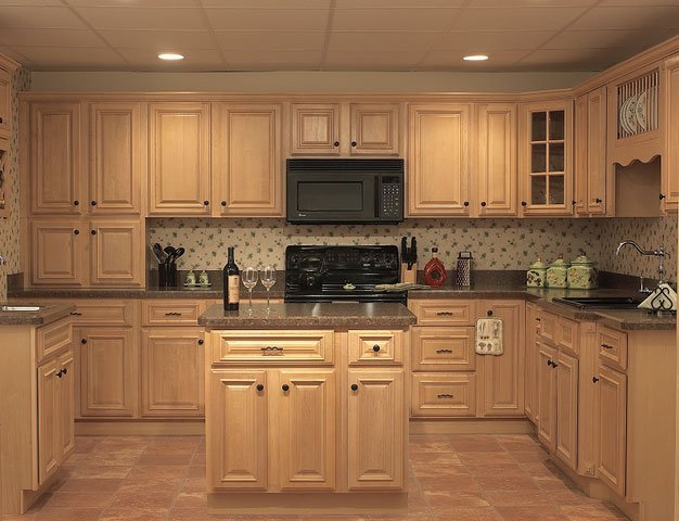 Natural oak kitchen cabinets home furniture design for Kitchen remodel oak cabinets