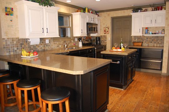 Update oak kitchen cabinets home furniture design for Can you replace kitchen cabinets without replacing countertop