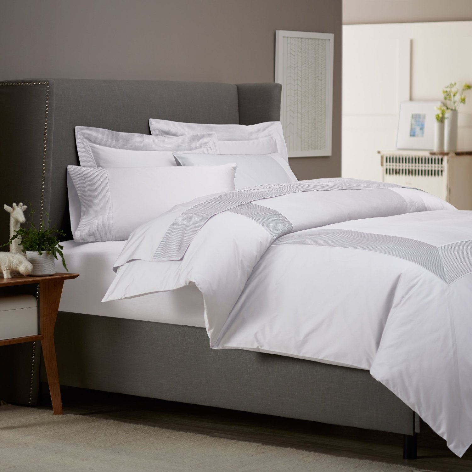 White bedding sets the purity and peace home furniture for White bed set furniture