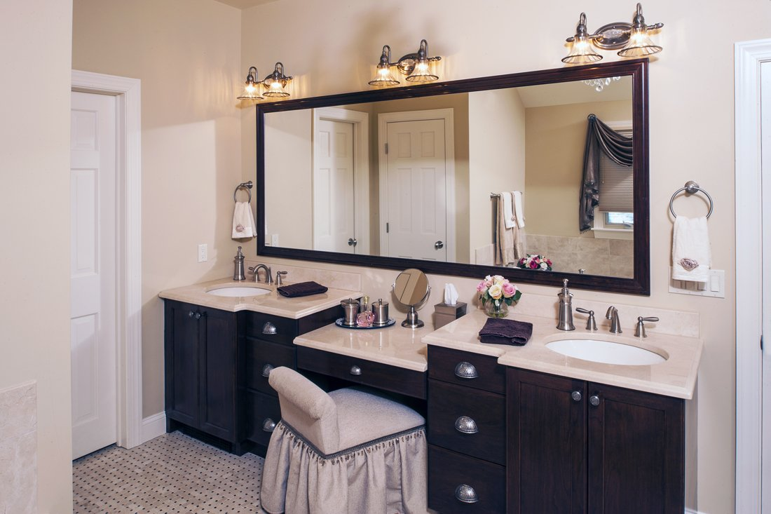 bathroom vanities with makeup desk home furniture design. Black Bedroom Furniture Sets. Home Design Ideas