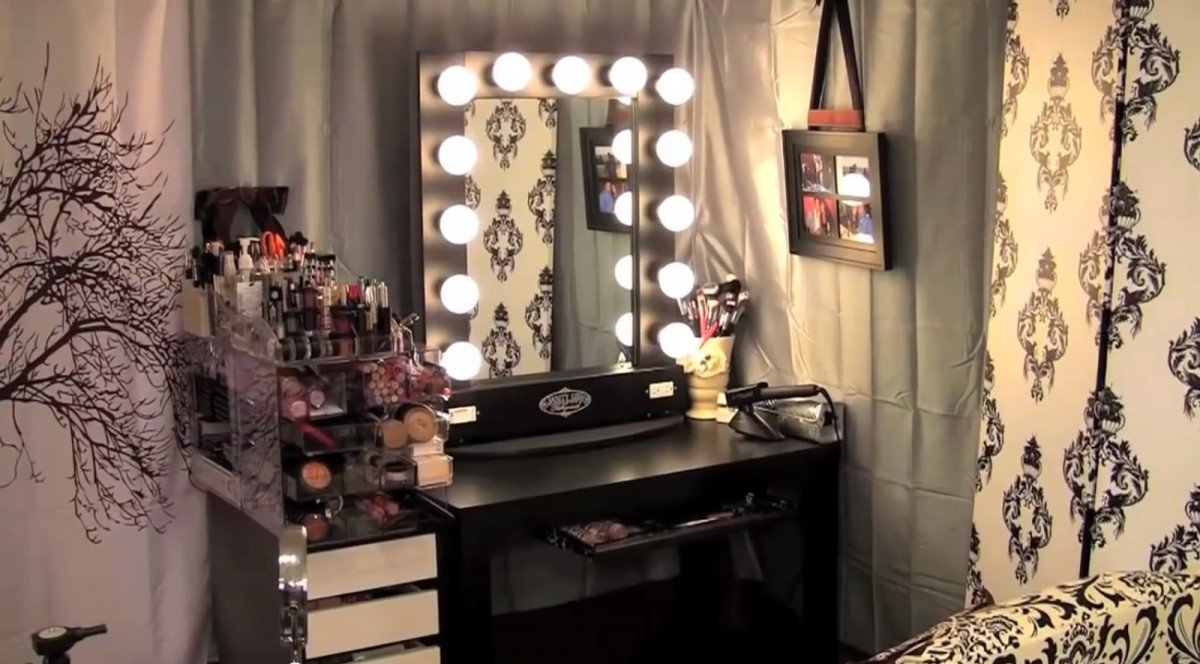 Broadway Lighted Vanity Makeup Desk Home Furniture Design