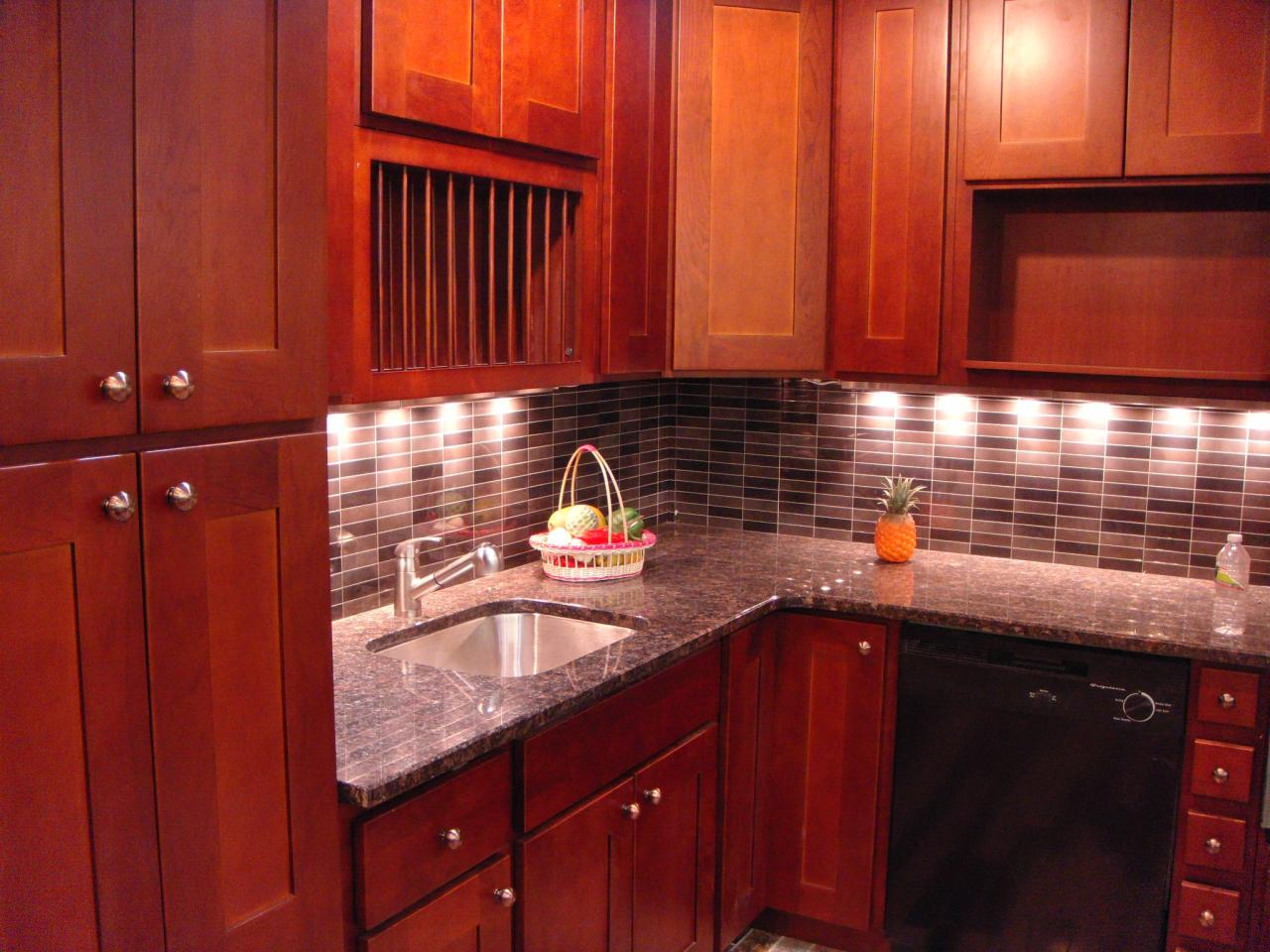 Cherry shaker kitchen cabinets home furniture design for Cherry kitchen cabinets