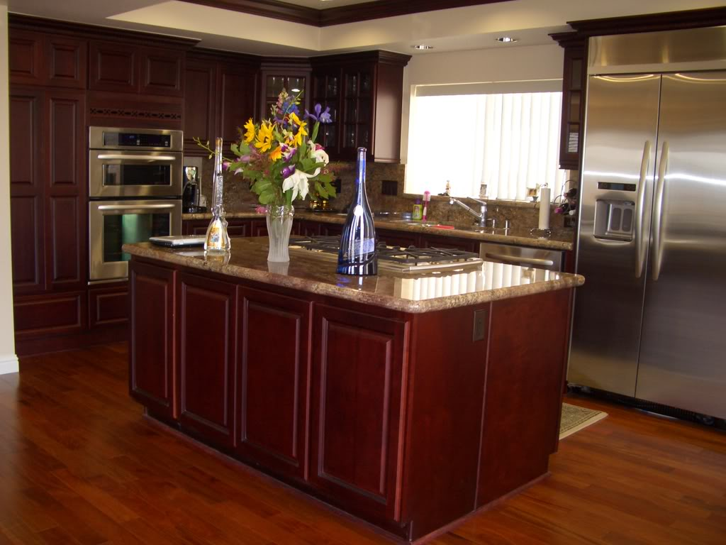 Kitchen ideas with cherry cabinets home furniture design for Kitchen cabinets designs photos