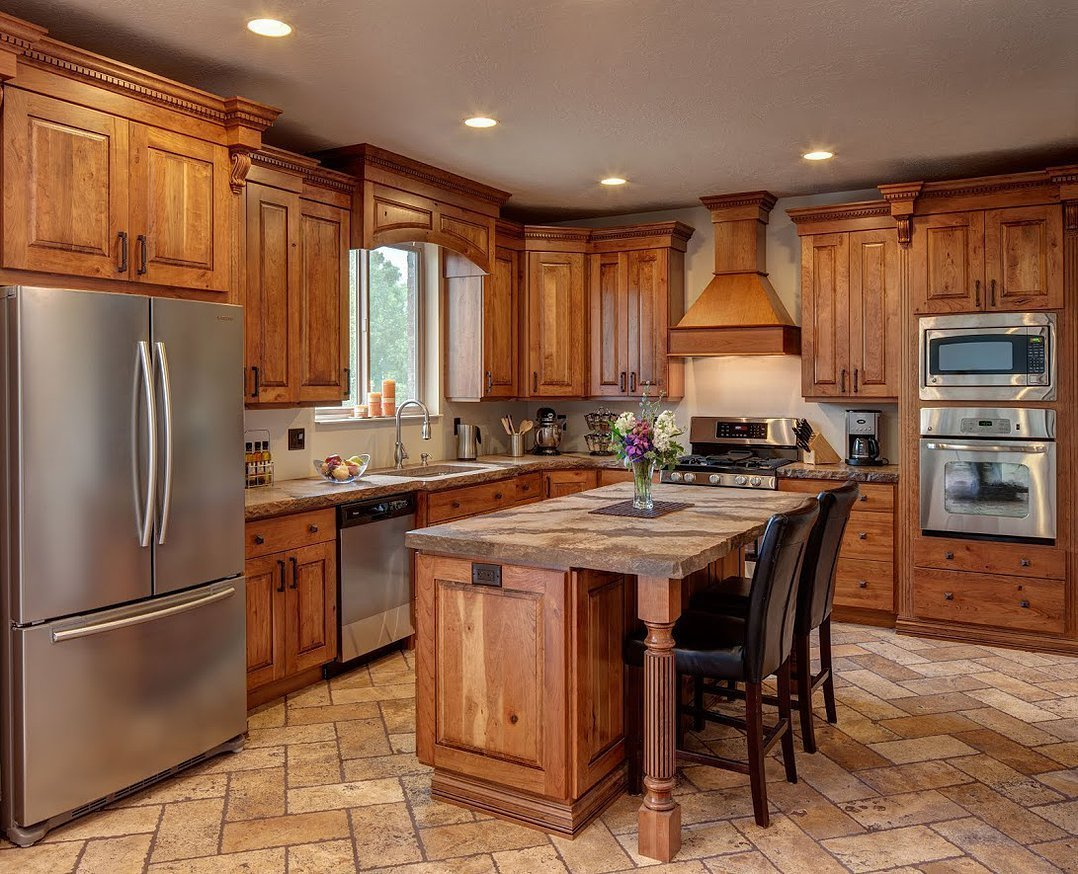 Rustic cherry kitchen cabinets home furniture design for Cherry wood kitchen cabinets
