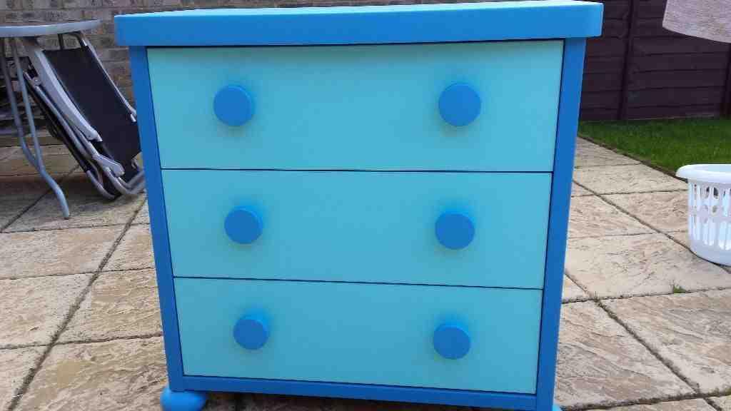 Ikea mammut dresser home furniture design for Transform ikea furniture