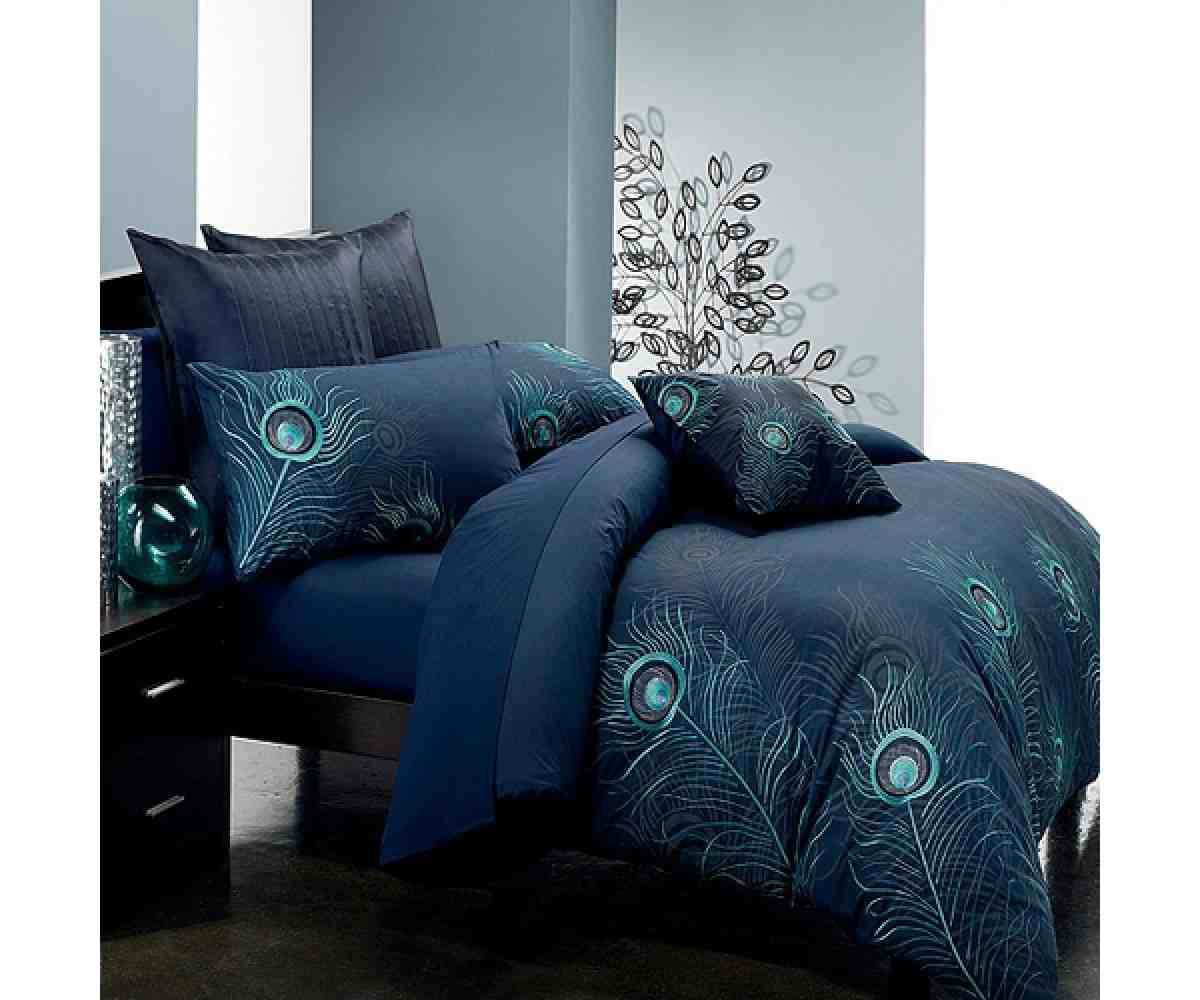 Peacock Themed Bedroom: Home Furniture Design