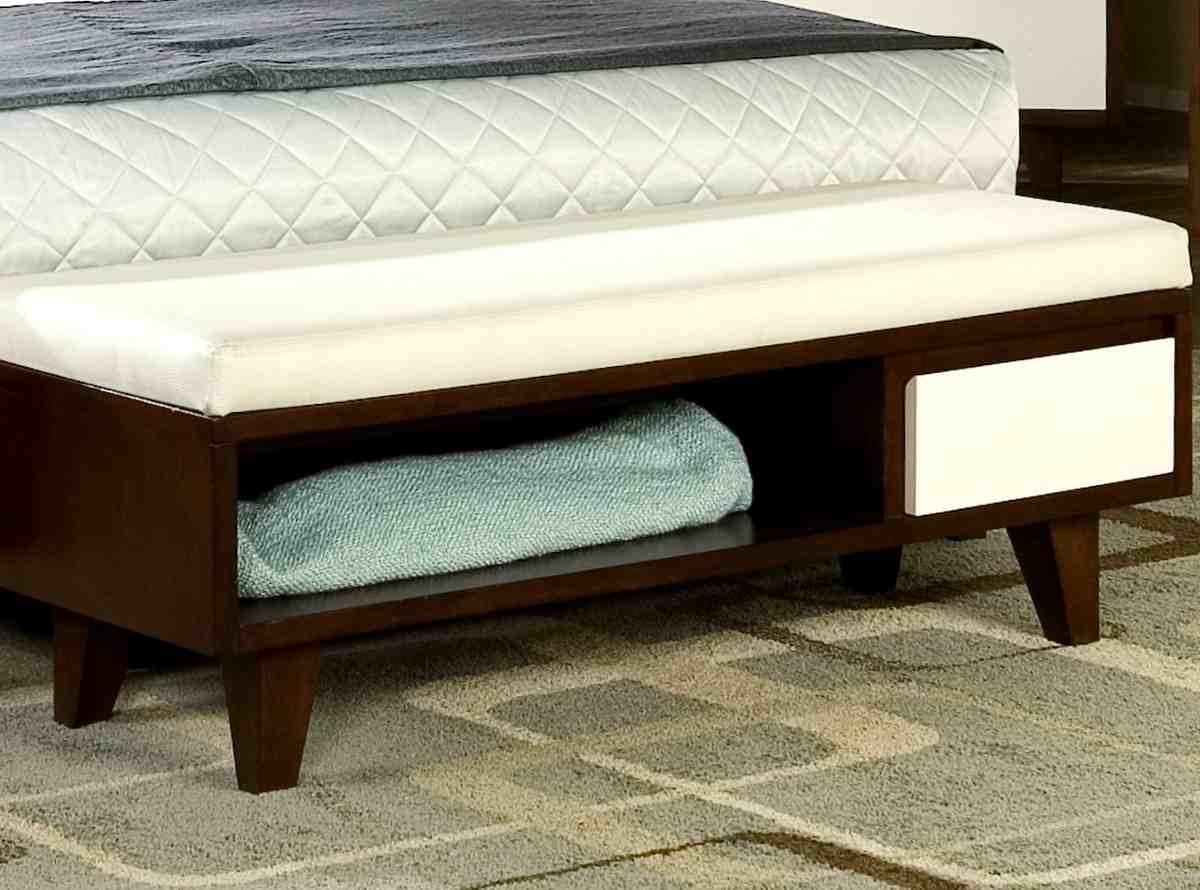 Foot of bed storage bench home furniture design for Foot of bed furniture