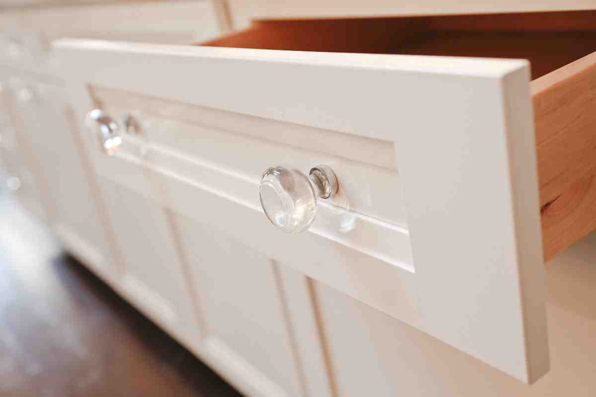Bathroom cabinet knobs
