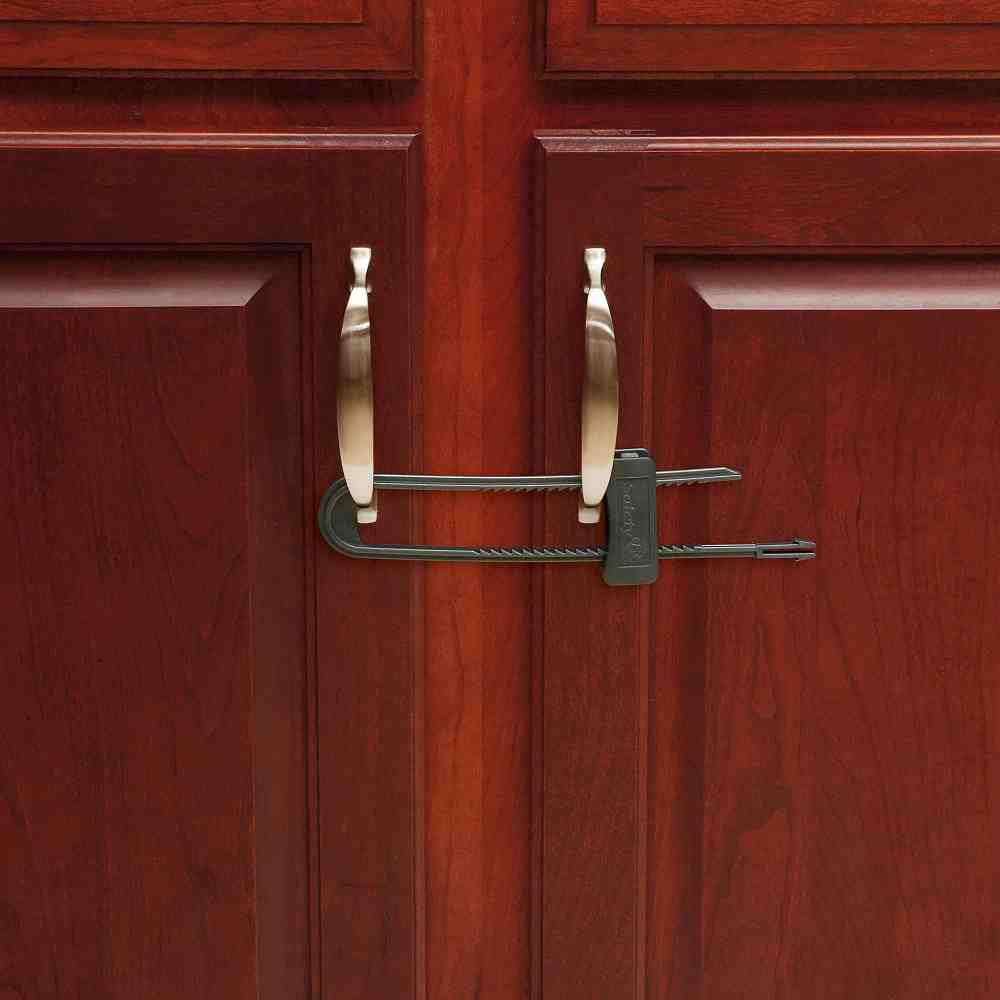 Locking cabinet latch home furniture design for Baby proof kitchen cabinets