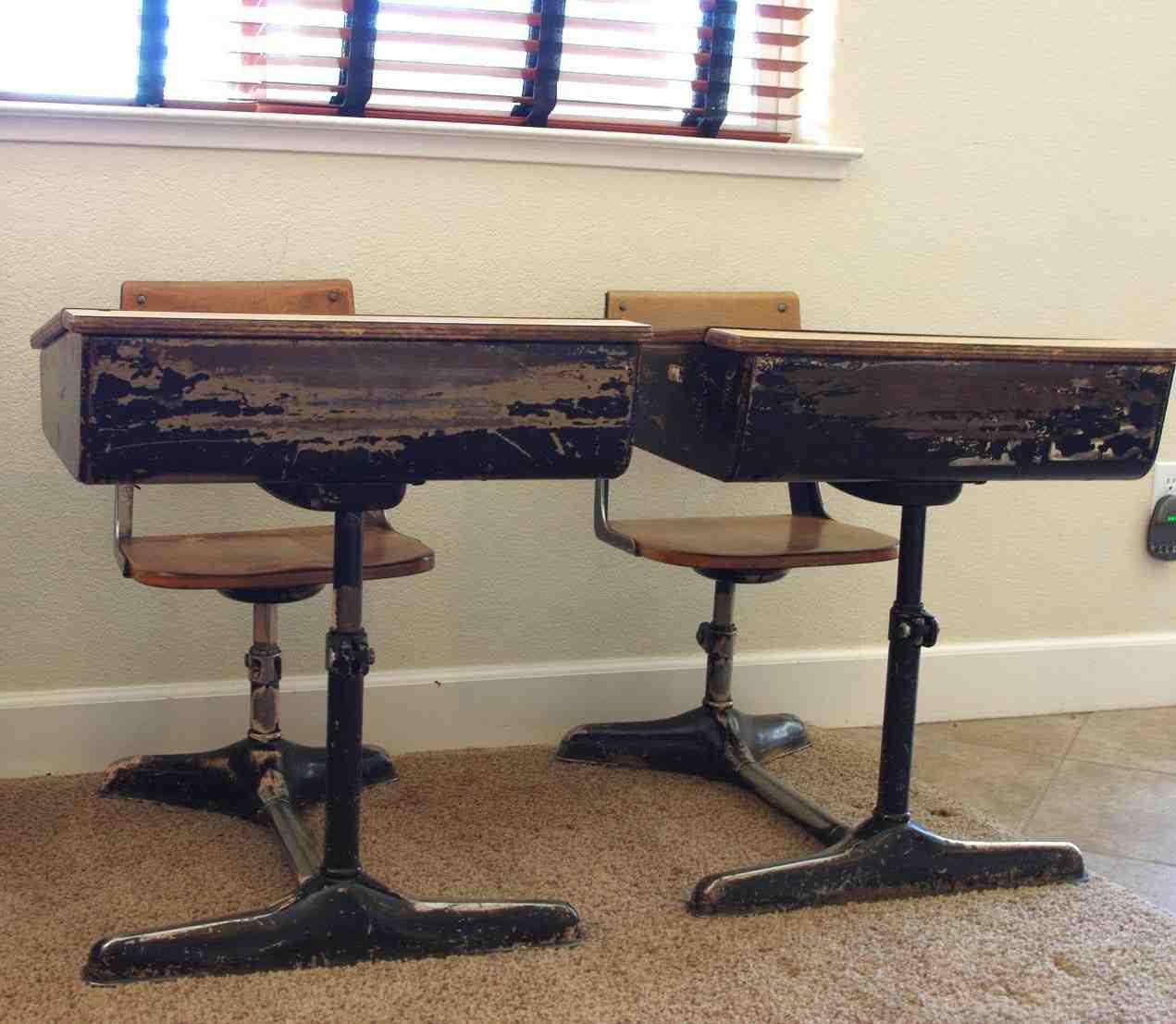 Old Fashioned Furniture For Sale: Old Fashioned School Desks For Sale