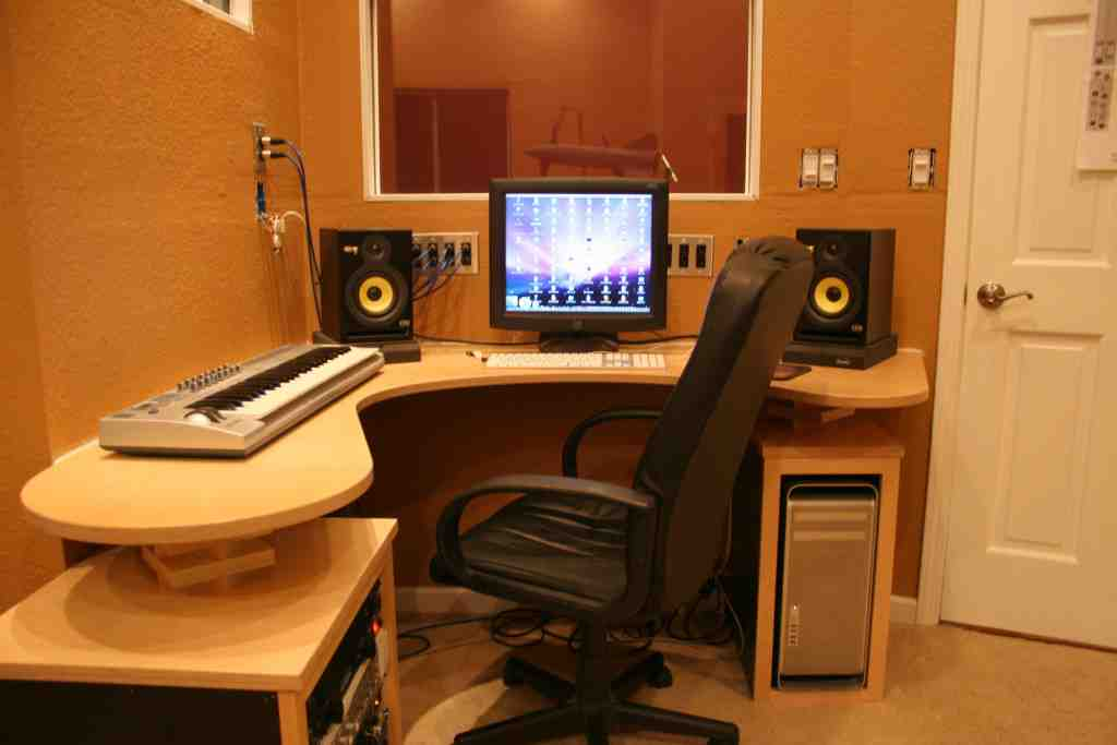 Recording studio desk plans home furniture design for Studio home designs
