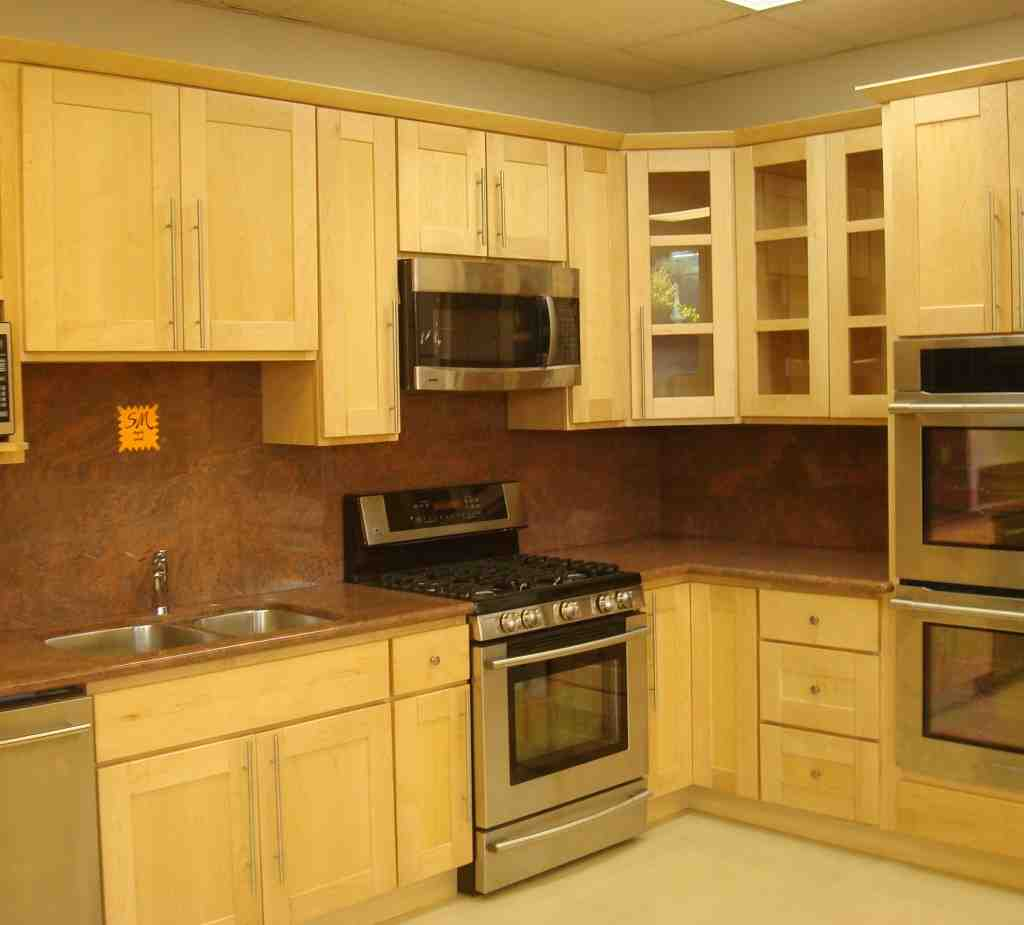 Light maple cabinets home furniture design for Maple cabinets