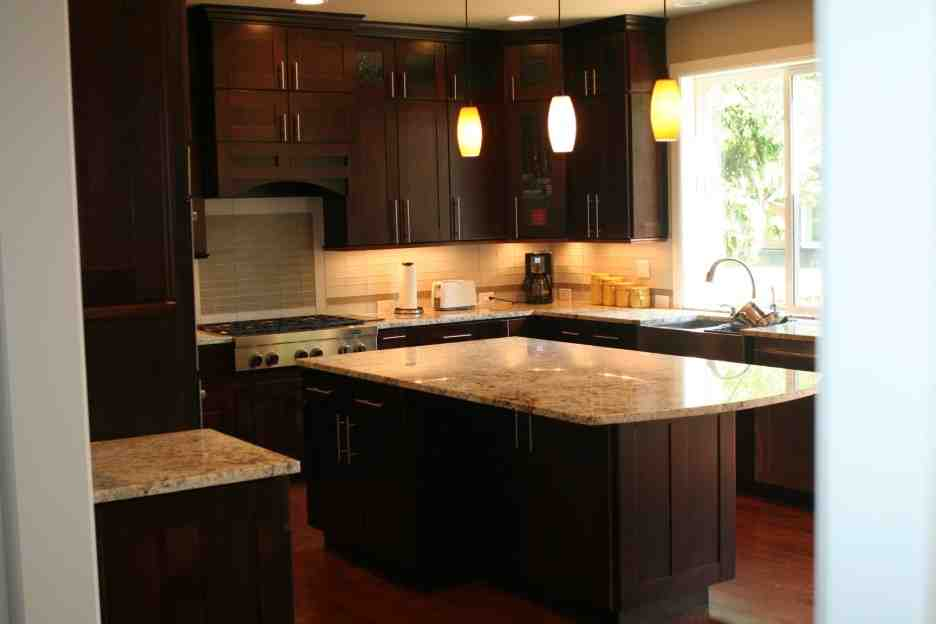 Espresso kitchen cabinets home furniture design for Kitchen designs with espresso cabinets