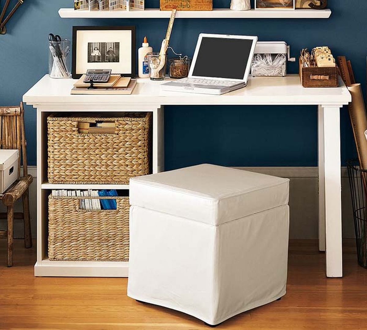 26 Interesting Living Room Décor Ideas Definitive Guide: Desk For College Student