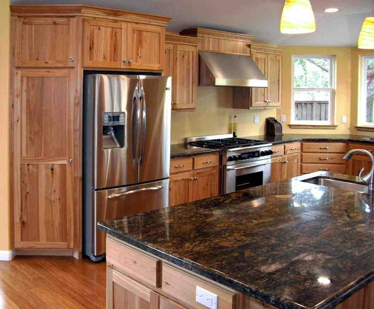 Rustic Maple Cabinets - Home Furniture Design on What Color Granite Goes With Maple Cabinets  id=90022